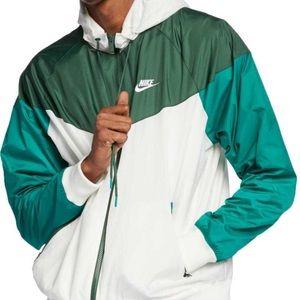 NWOT Men's Nike Windbreaker Sportswear Windrunner